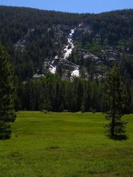 Straight-on view of Kuna Cascade